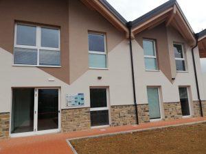 Centro CAI Amatrice realizzato con infissi in PVC ICRA SL70